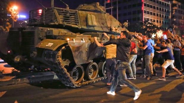 ترکیه کې د کودتا په تړاو د دوه نیولو شویو جنرالانو محاکمه پیل شوه