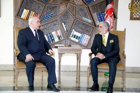 افغانستان و تاجیکستان خواهان گسترش روابط اقتصادی و امنیتی شدند