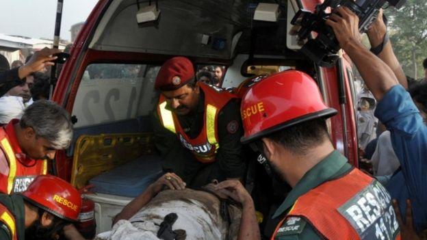 پاکستان کې ترافیکي پېښې ۹۳ تنو ته مرګ ژوبله واړوله