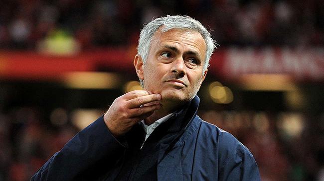 مورینیو: مسی بازنشسته شود گریه خواهم کرد