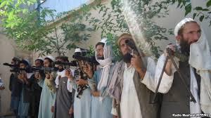 د یوه قوماندان په ګډون ۱۱ طالبان د سولې له بهیر سره یو ځای شول