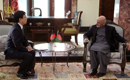 غنی خواهان گسترش روابط میان افغانستان و جاپان شد