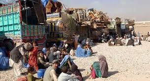 پاکستان د افغان کډوالو ۵۰۰ کورنۍ په زور ایستلې دي
