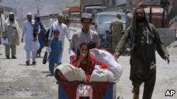 تر اوسه له پاکستانه ۳۶۰۰ افغانان راوښتي خو ۵۵۰۰ لا هم هلته بند پاتې دي