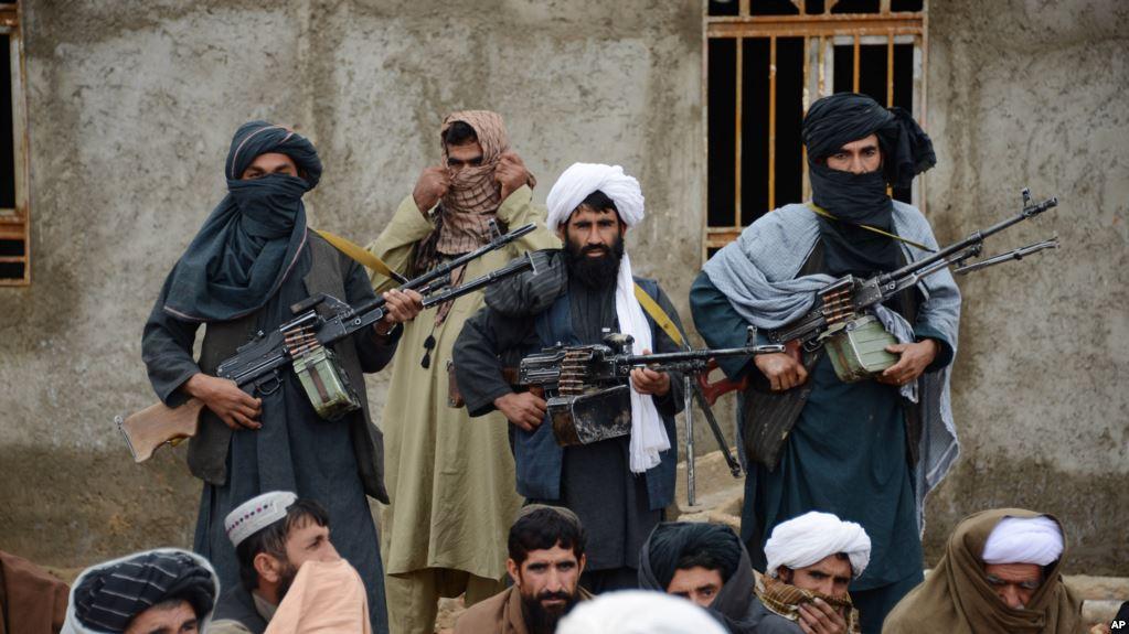 طالبانو لوګر کې برمته کړي څلور تنه قومي مشران خوشي کړل