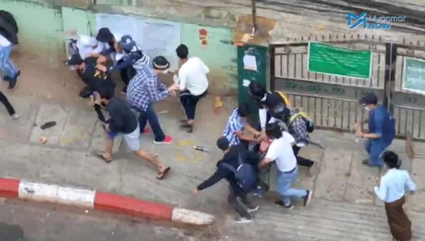 پلیس میانمار به سمت معترضین تیراندازی کرد